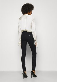 Guess - ULTIMATE SKINNY - Jeans Skinny Fit - groovy - 2