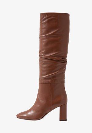 Boots - cigar