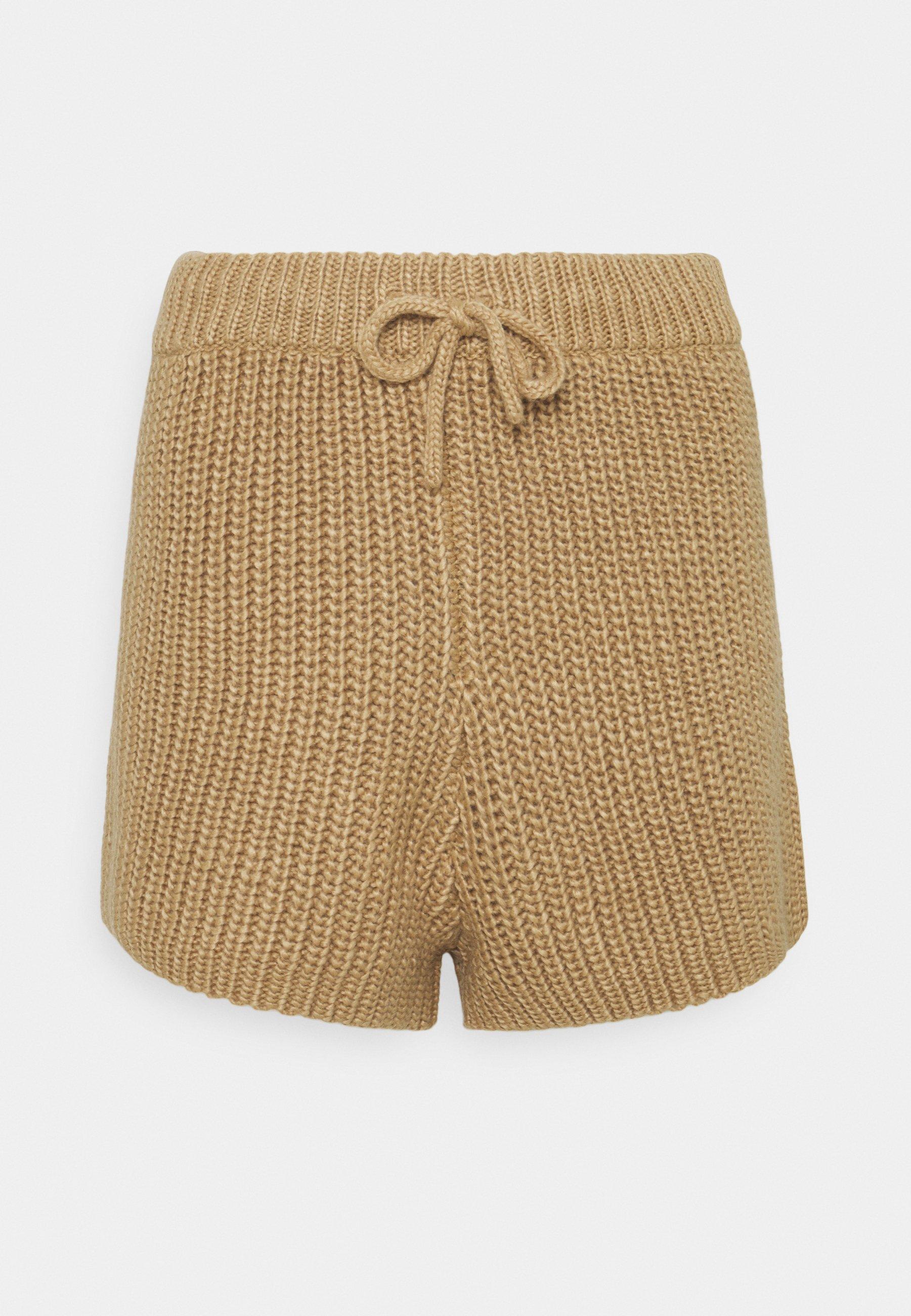 Women HENRY  - Shorts