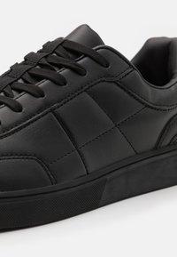 Burton Menswear London - DONAVON - Sneakers laag - black - 5