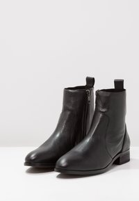 Office - ASHLEIGH - Classic ankle boots - black - 3