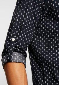 Jack & Jones - JORWIND SHIRT - Skjorta - navy blazer/white - 6