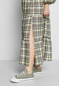 Topshop Maternity - CHECK TIERED NECK - Maxi dress - green - 3