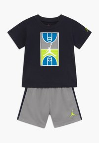 Jordan - COURT GRAPHIC TEE SET - Sports shorts - atmosphere grey - 0