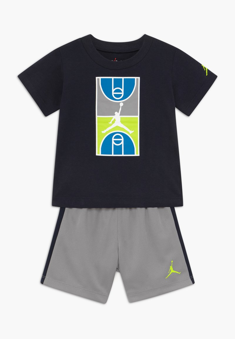 Jordan - COURT GRAPHIC TEE SET - Sports shorts - atmosphere grey