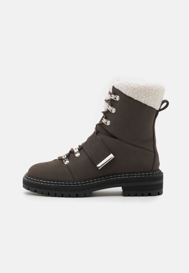 Snowboot/Winterstiefel - dark brown