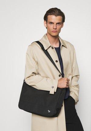 BAG MESSENGER ZEBRA UNISEX - Across body bag - black