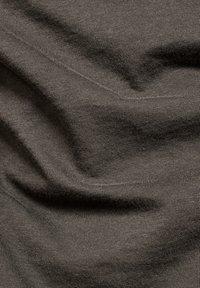 G-Star - EYBEN GRAW FOIL - T-shirt basic - asfalt - 5
