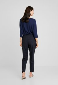 Betty & Co - Trousers - navy blue - 3