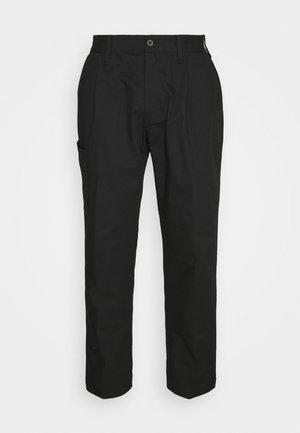 ADICROSS CHINO PANT - Kalhoty - black