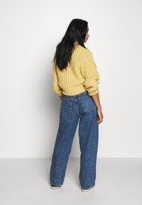Topshop - ZED MOM - Relaxed fit jeans - blue denim - 2