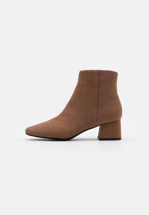 SABINA - Ankle boots - tan