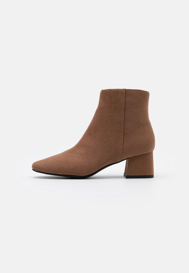 SABINA - Boots à talons - tan