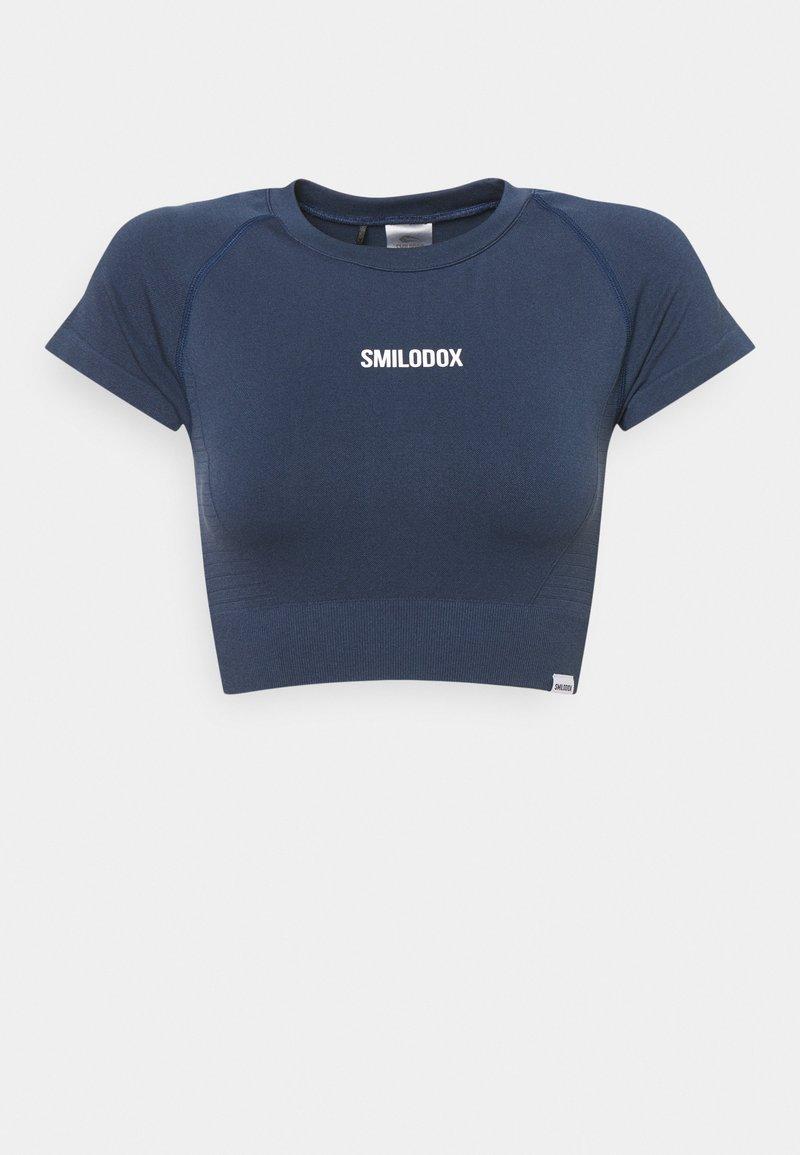 Smilodox - SEAMLESS CROPPED  - Printtipaita - blau