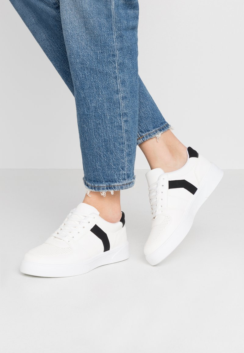 Topshop - CHARLTON LACE UP - Trainers - white