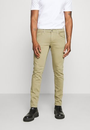 JAY SOLID - Slim fit jeans - covert green