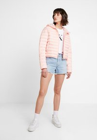 Calvin Klein Jeans - PADDED PUFFER WITH LOGO BINDING - Light jacket - blossom - 1