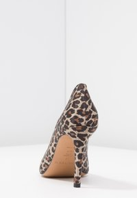 Pura Lopez - High heels - brown