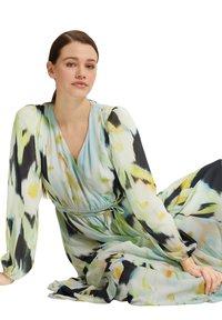 comma - Maxi dress - navy faded flower - 4