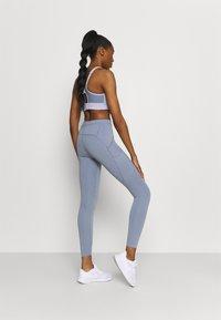 Nike Performance - RUN LUXE - Legging - ashen slate/black - 2