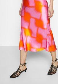 CECILIE copenhagen - GYRITH - A-line skirt - tangerine - 3