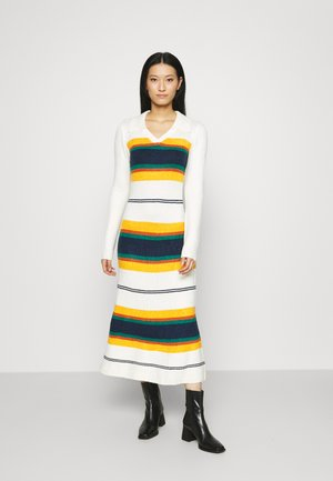 COLLARED DRESS - Strikkjoler - offwhite