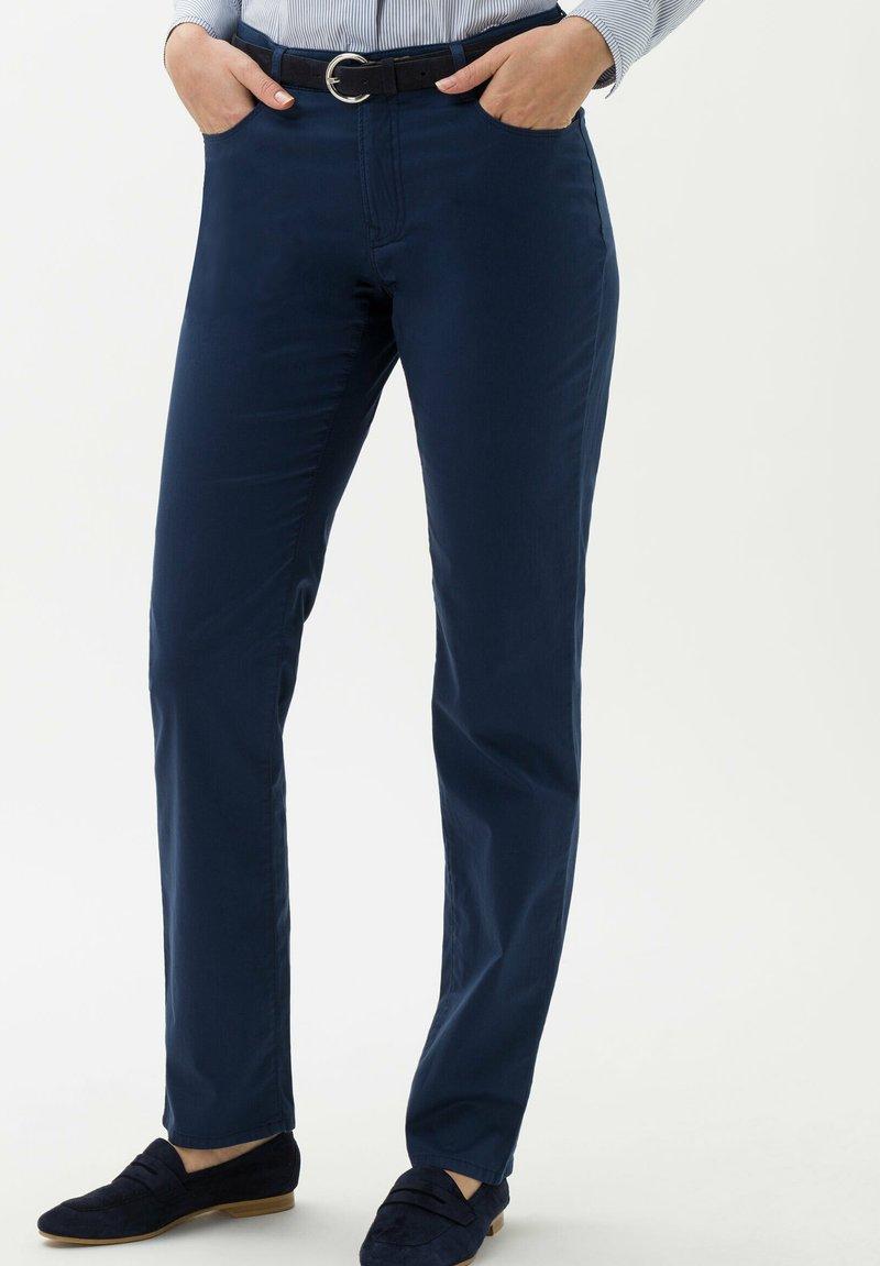 BRAX - STYLE CAROLA - Pantalon classique - indigo