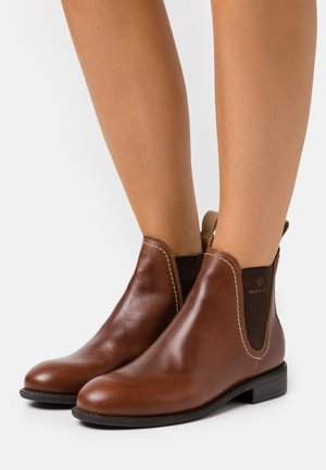 AINSLEY CHELSEA - Classic ankle boots - cognac