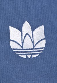 adidas Originals - LOOSE FIT TEE - T-shirts med print - crew blue - 6