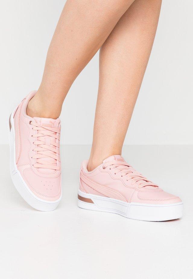 SKYEMETALLIC - Zapatillas - peachskin/rose gold