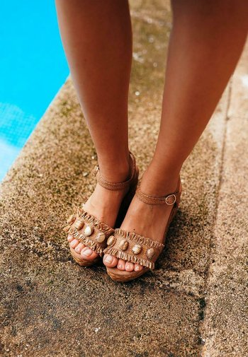 SERENA - Platform sandals - sand