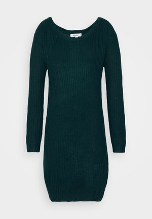 AYVAN OFF SHOULDER JUMPER DRESS - Abito in maglia - forest green