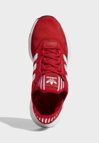 adidas Originals - SWIFT SPORTS STYLE SHOES - Sneakersy niskie - red - 2