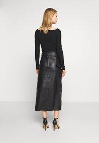 Topshop - LEAT WRAP PENCIL - Pencil skirt - black - 2