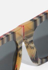 Burberry - UNISEX - Sluneční brýle - multi-coloured - 4