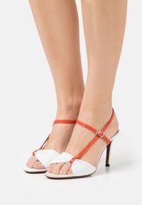 L'Autre Chose - Sandals - white/coral/ochre/yellow - 0