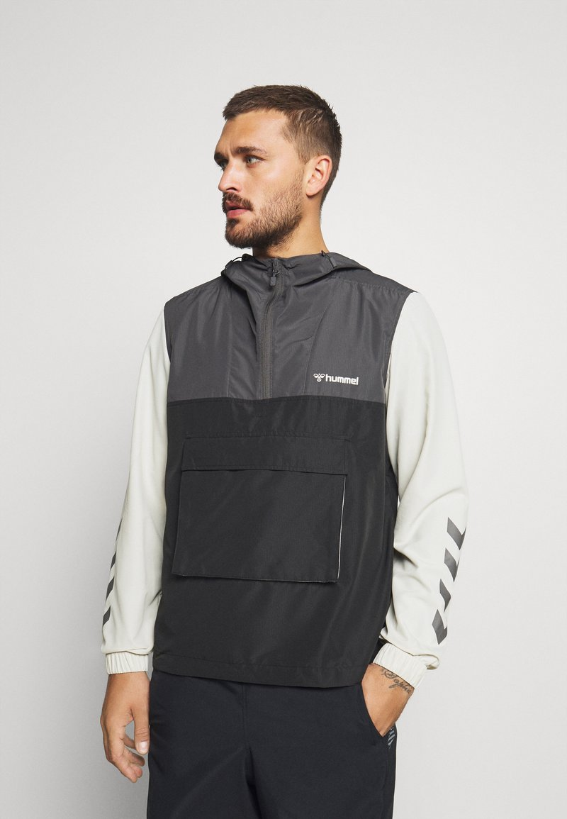 Hummel - AKELLO LOOSE HALF ZIP JACKET - Training jacket - black