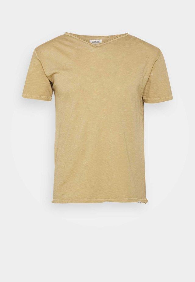 MARCEL TEE - T-shirt - bas - dull golden