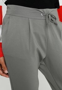 JDY - PRETTY PANT JRS NOOS - Tracksuit bottoms - castor gray - 3