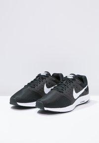 Nike Performance - DOWNSHIFTER 7 - Obuwie do biegania treningowe - black/white/anthracite - 2