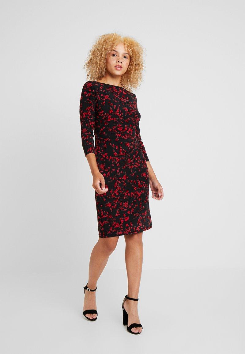 Lauren Ralph Lauren Petite - VICTORINA 3/4 SLEEVE DAY DRESS - Fodralklänning - black/scarlet red