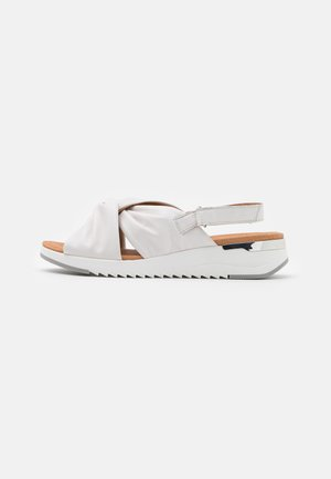 WOMS  - Sandalen met sleehak - white
