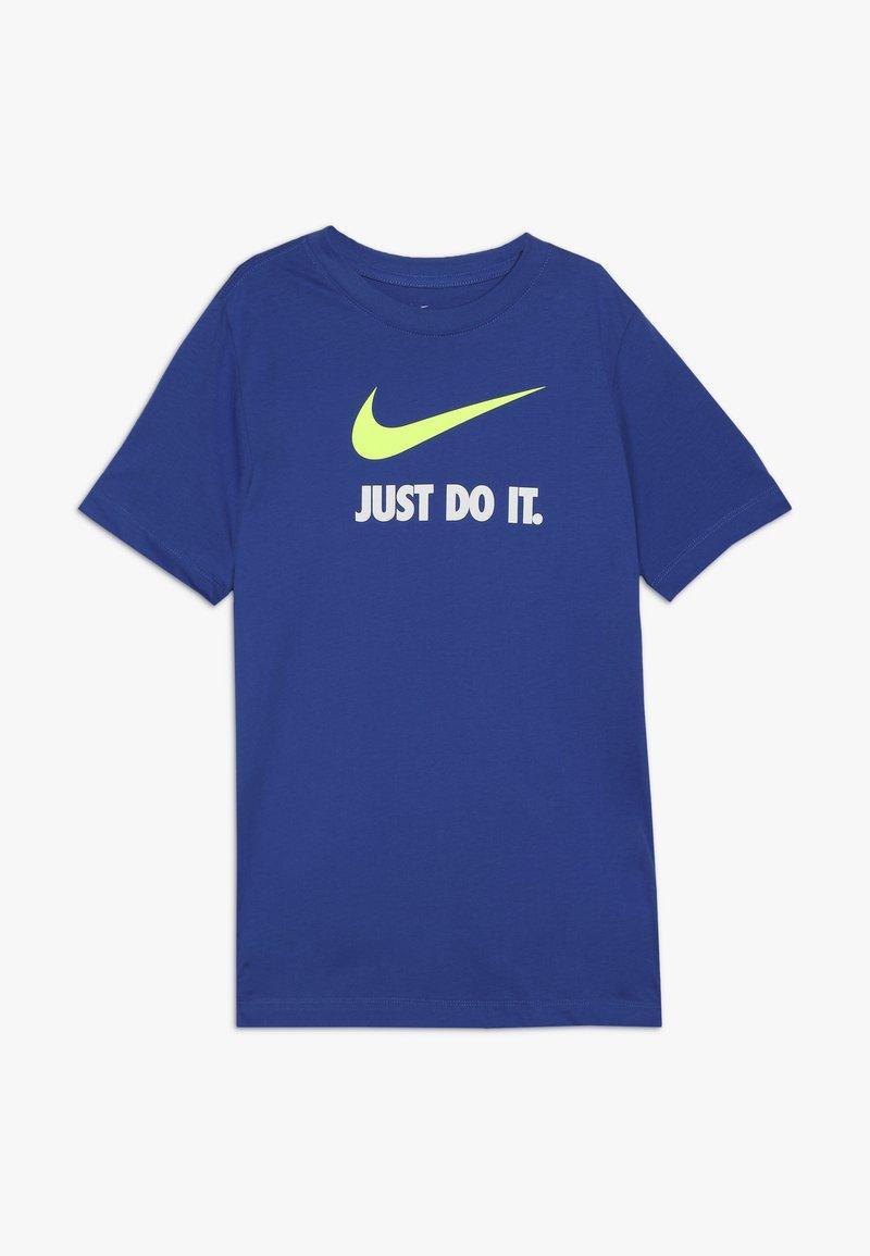 Nike Sportswear - Triko spotiskem - game royal/volt