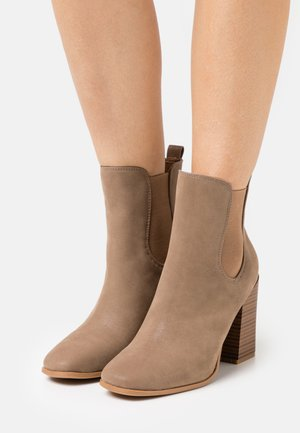 CHELSEAA - High heeled ankle boots - light brown