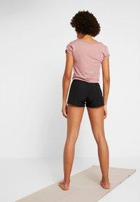 Casall - LIGHT SHORTS - Sports shorts - black - 2