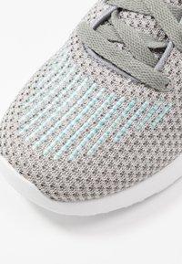 Skechers Sport - SKECH-AIR DYNAMIGHT - Zapatillas - gray/aqua/white - 2