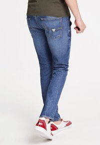 Guess - Jeans Skinny Fit - himmelblau - 2