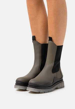 RUTE - Platform ankle boots - khaki