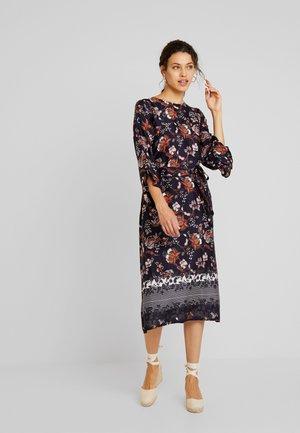 KAMALINA DRESS - Długa sukienka - midnight marine