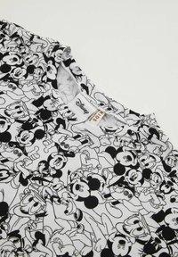 DeFacto - DISNEY MICKEY MOUSE - Jersey dress - white/black - 2